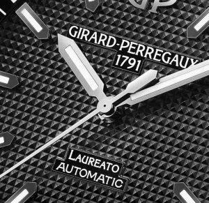 Replica Uhren Girard-Perregaux Laureato 42mm Ceramic Beschreibung