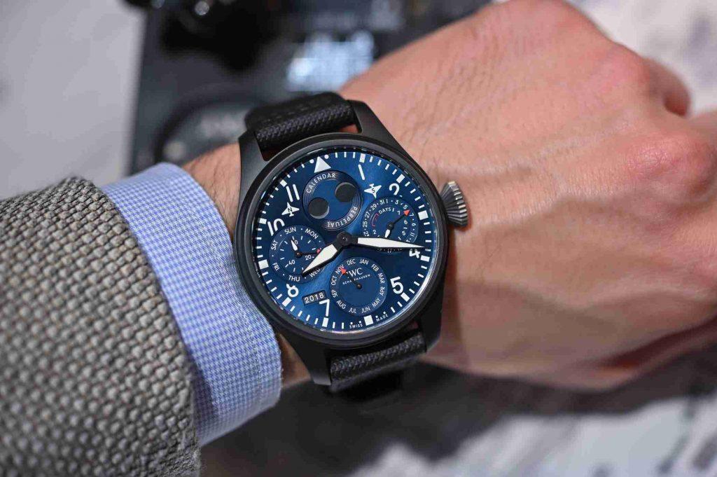 Replika Uhren IWC Big Pilots Perpetual Calendar Sonderausgabe Rezension Für Weihnachten